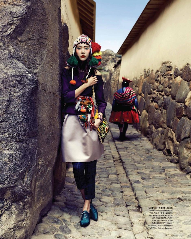 Han Hye Jin by Alexander Neumann (La Bella Señorita - Vogue Korea July 2012) 9.jpeg