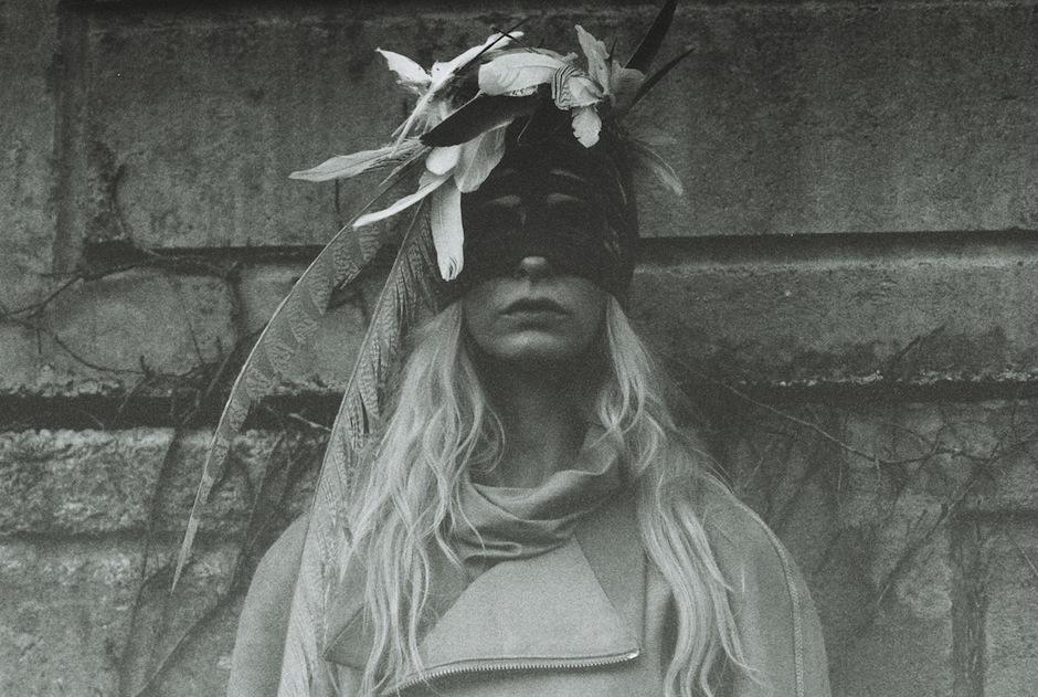 Christina Kruse by Jeff Elstone (Freyja - StyleZeitgeist #3 Fall 2012) 8.jpg