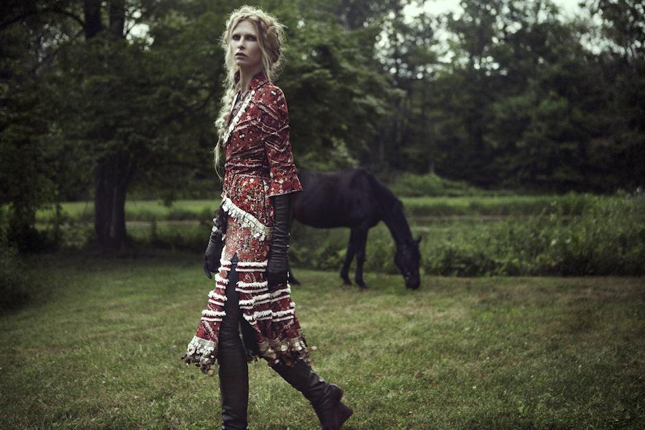Christina Kruse by Jeff Elstone (Freyja - StyleZeitgeist #3 Fall 2012).jpg