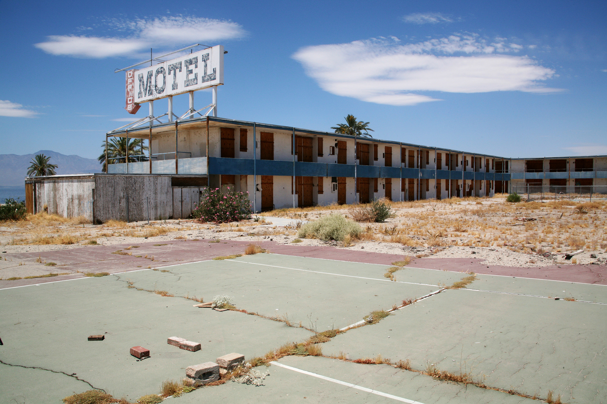 Motel, North Shore Beach
