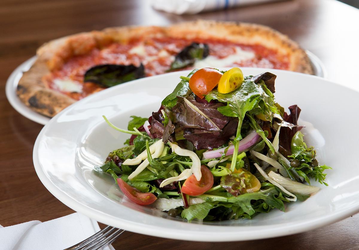 20160524-Angelina's Pizzeria Review-002.JPG