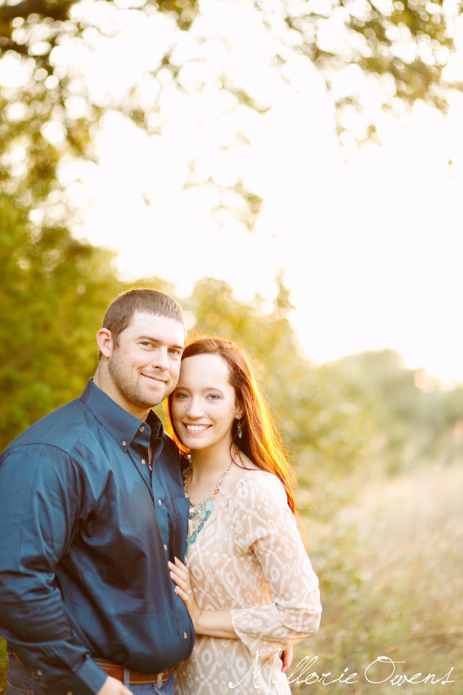 Laid Back Engagement Photos | MALLORIE OWENS