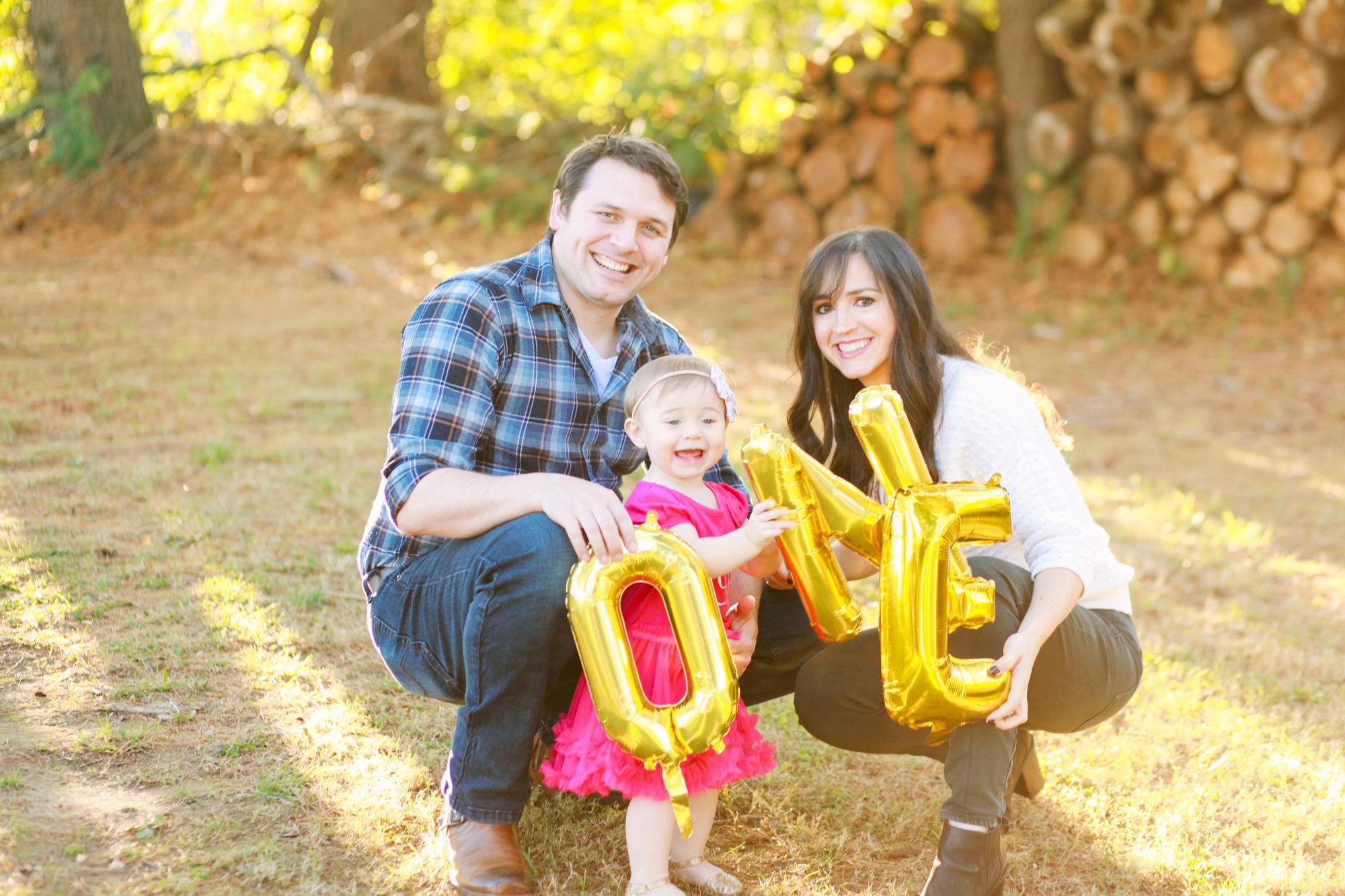Iris One Year Family Shoot-3028.jpg