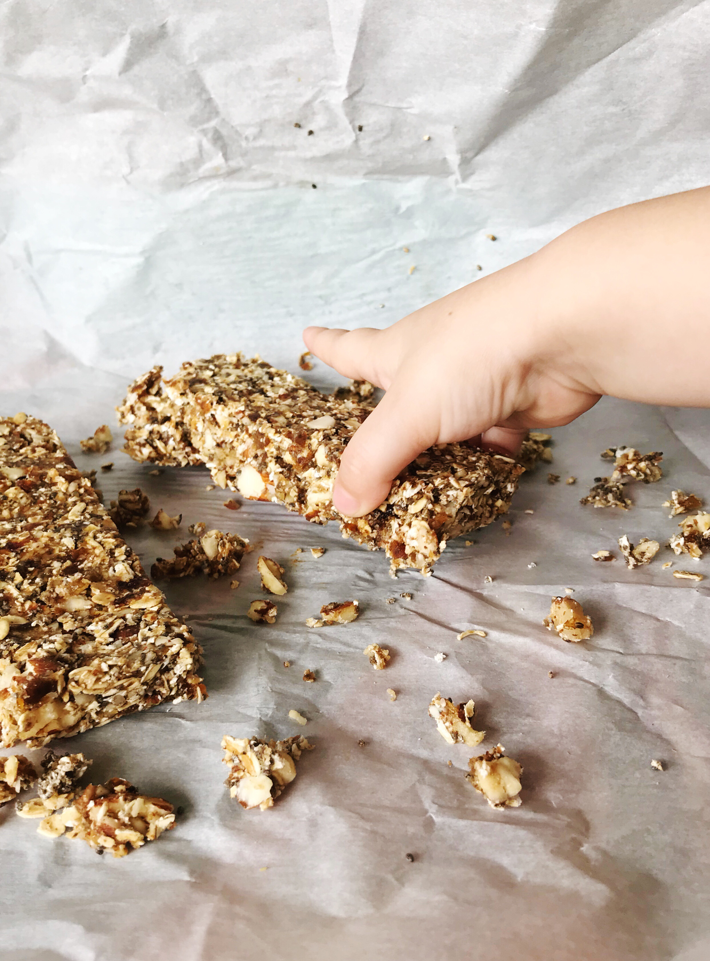 Kid Approved Homemade Energy Bars Recipe- Simple, Raw, Healthy, and Delicious! | MALLORIE OWENS