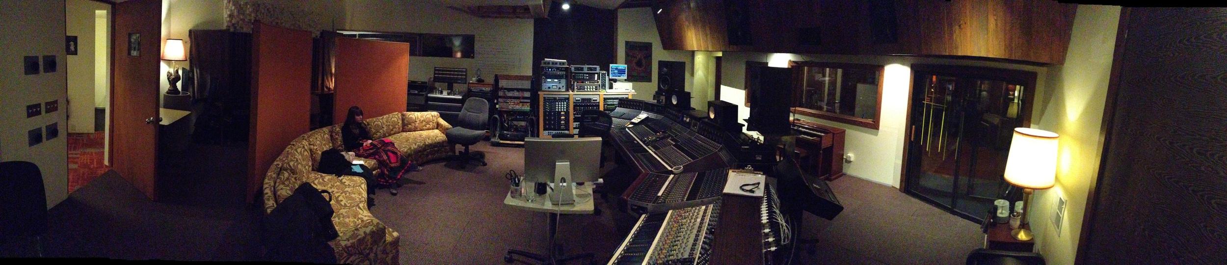 Janelat AVAST! Studio Bin Seattle, WA mixingMellow Diamond.