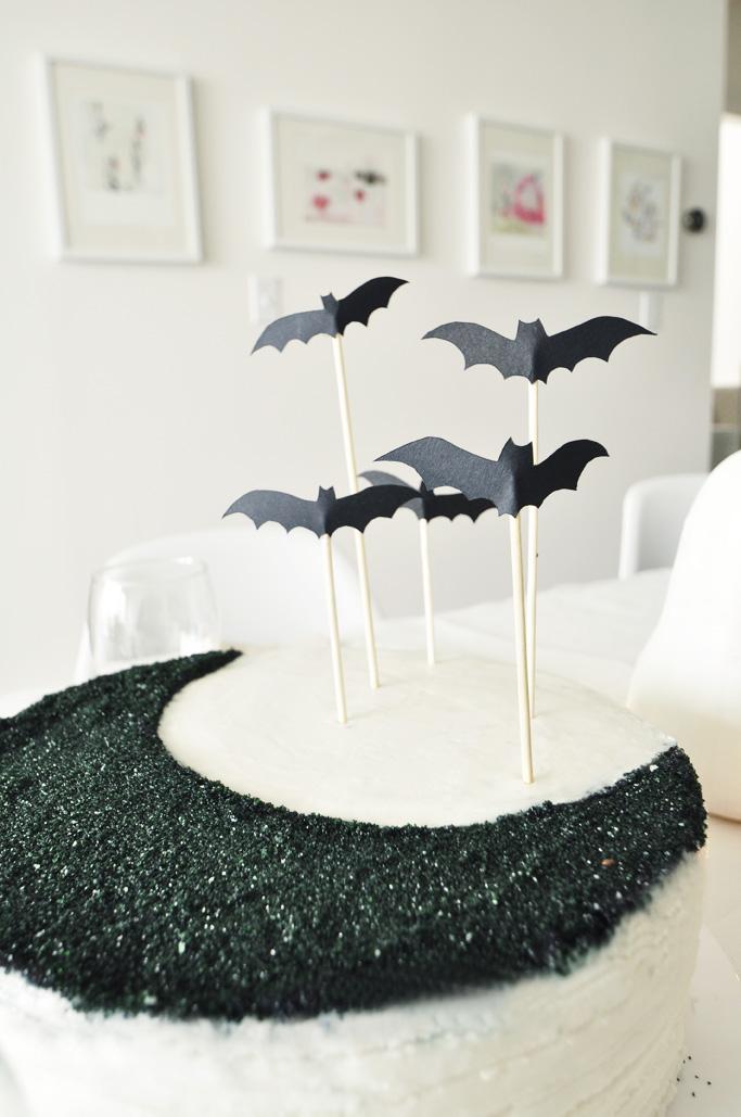 bat cake topper