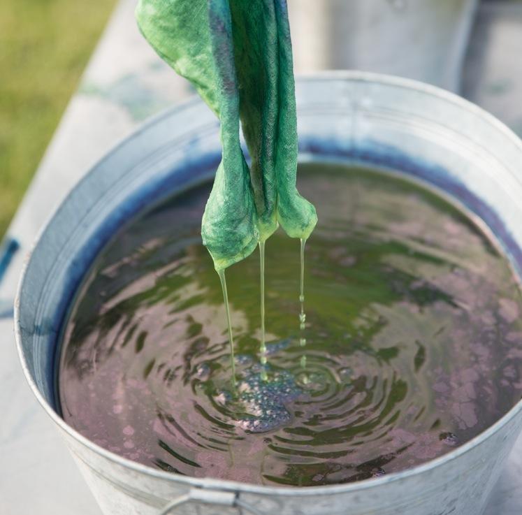 Indigo dip dye