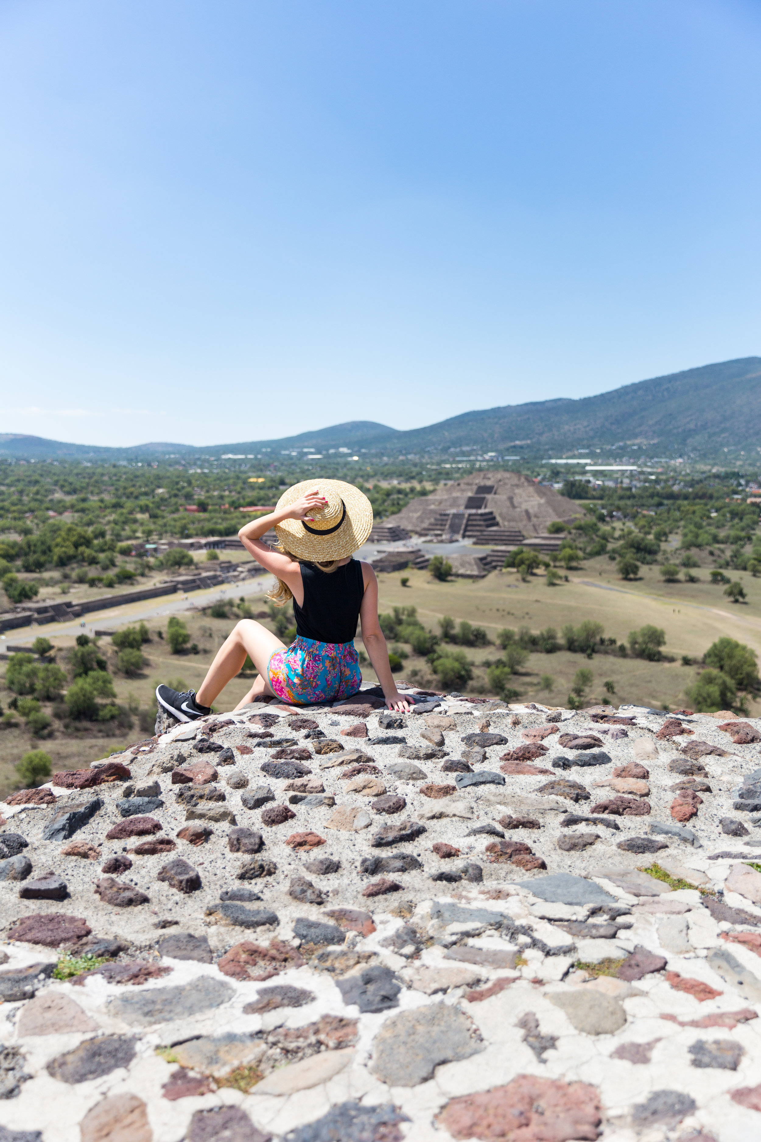 Mexico City Teotihuacan Pyramids Pattern Shorts Casual Summer Outfit-10.jpg