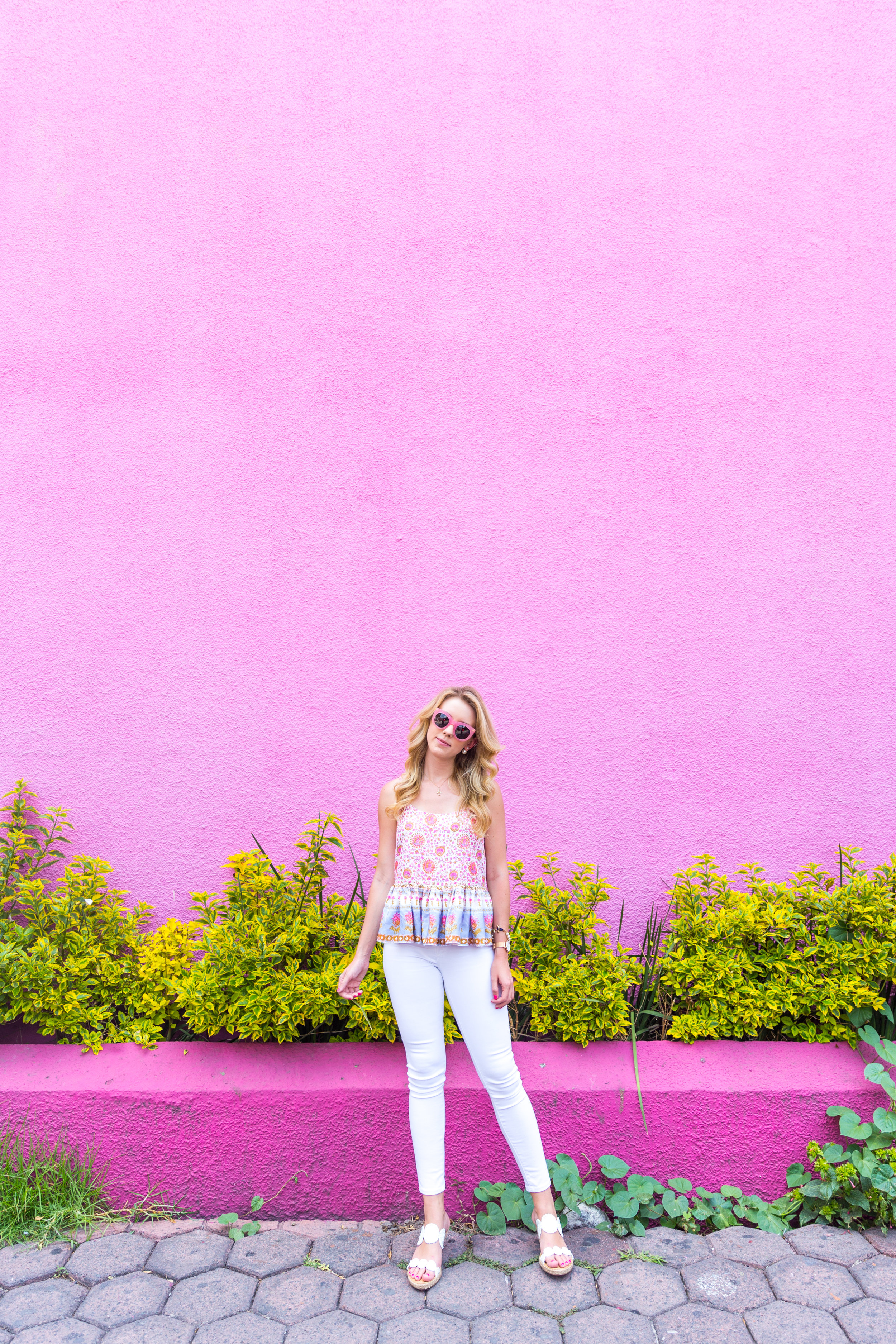 Mexico City Pink Wall Summer Outfit White Jeans Peplum Cami-3.jpg