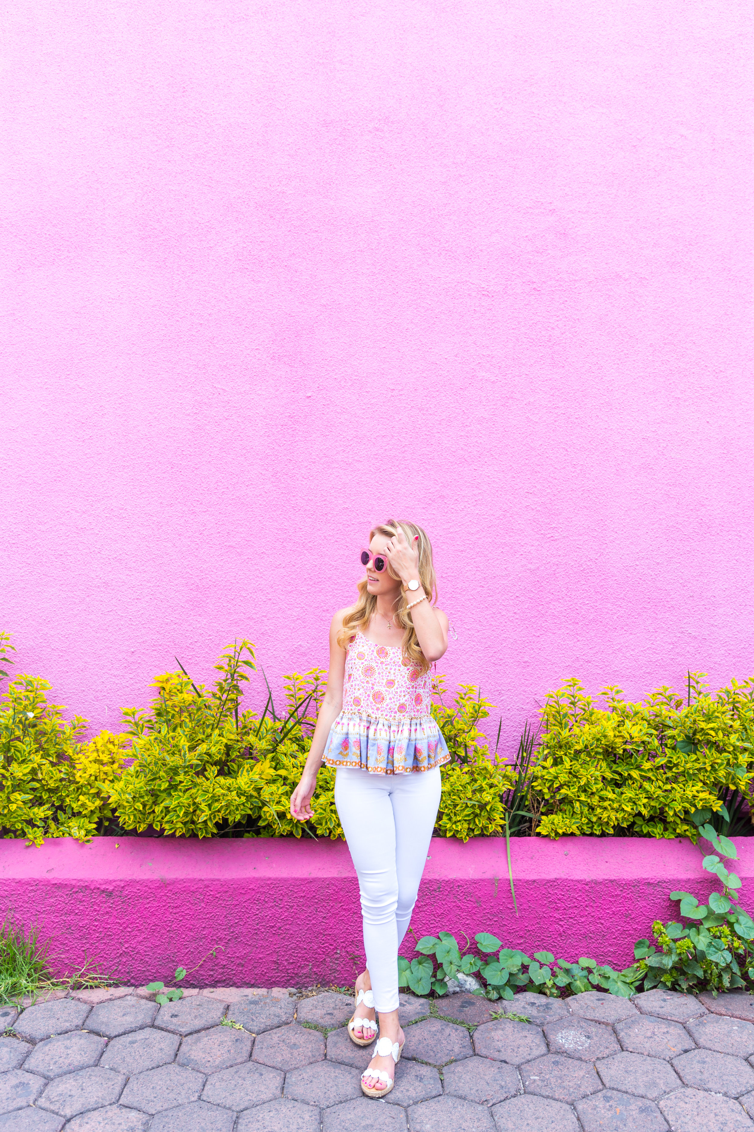 Mexico City Pink Wall Summer Outfit White Jeans Peplum Cami-4.jpg
