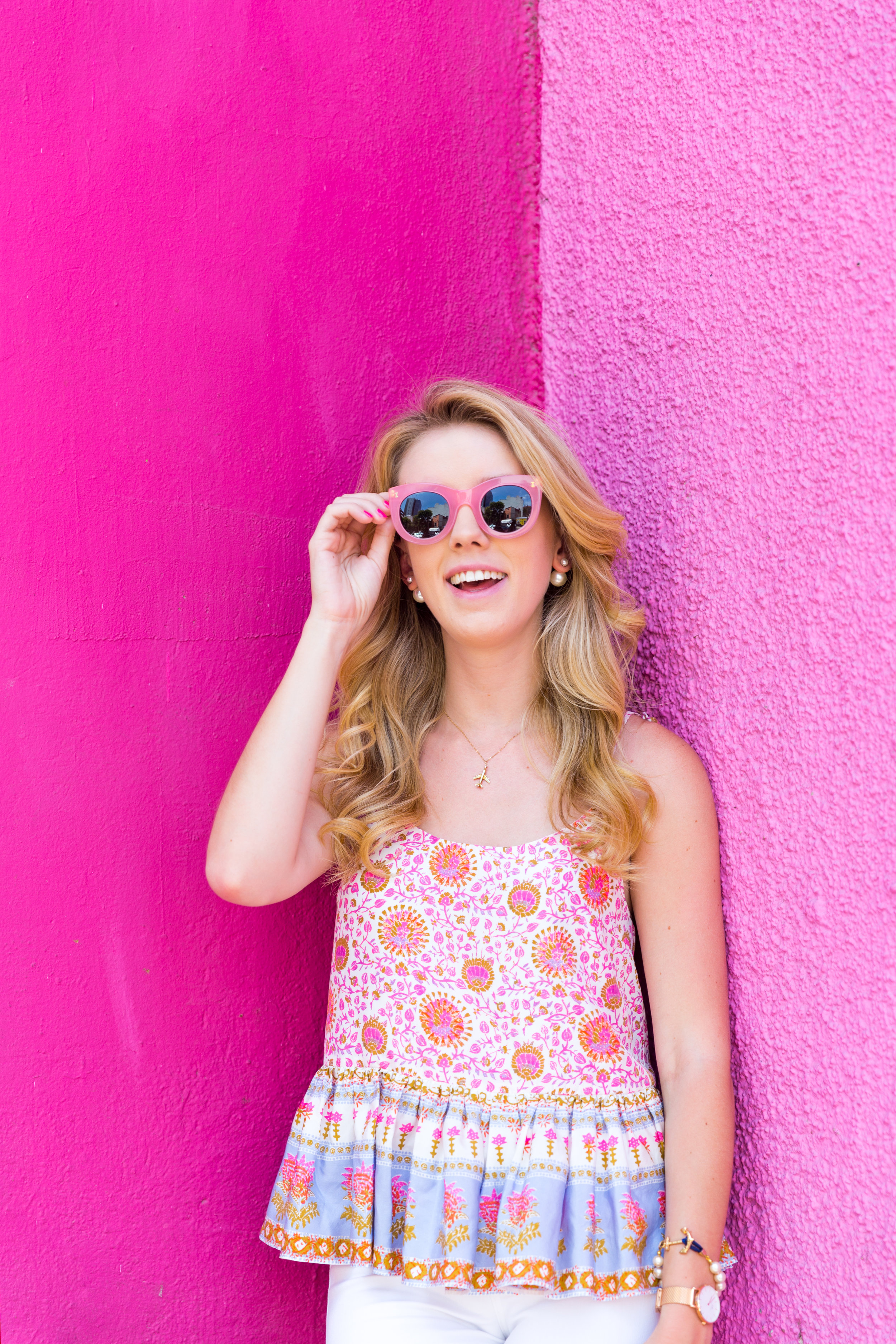 Mexico City Pink Wall Summer Outfit White Jeans Peplum Cami-6.jpg