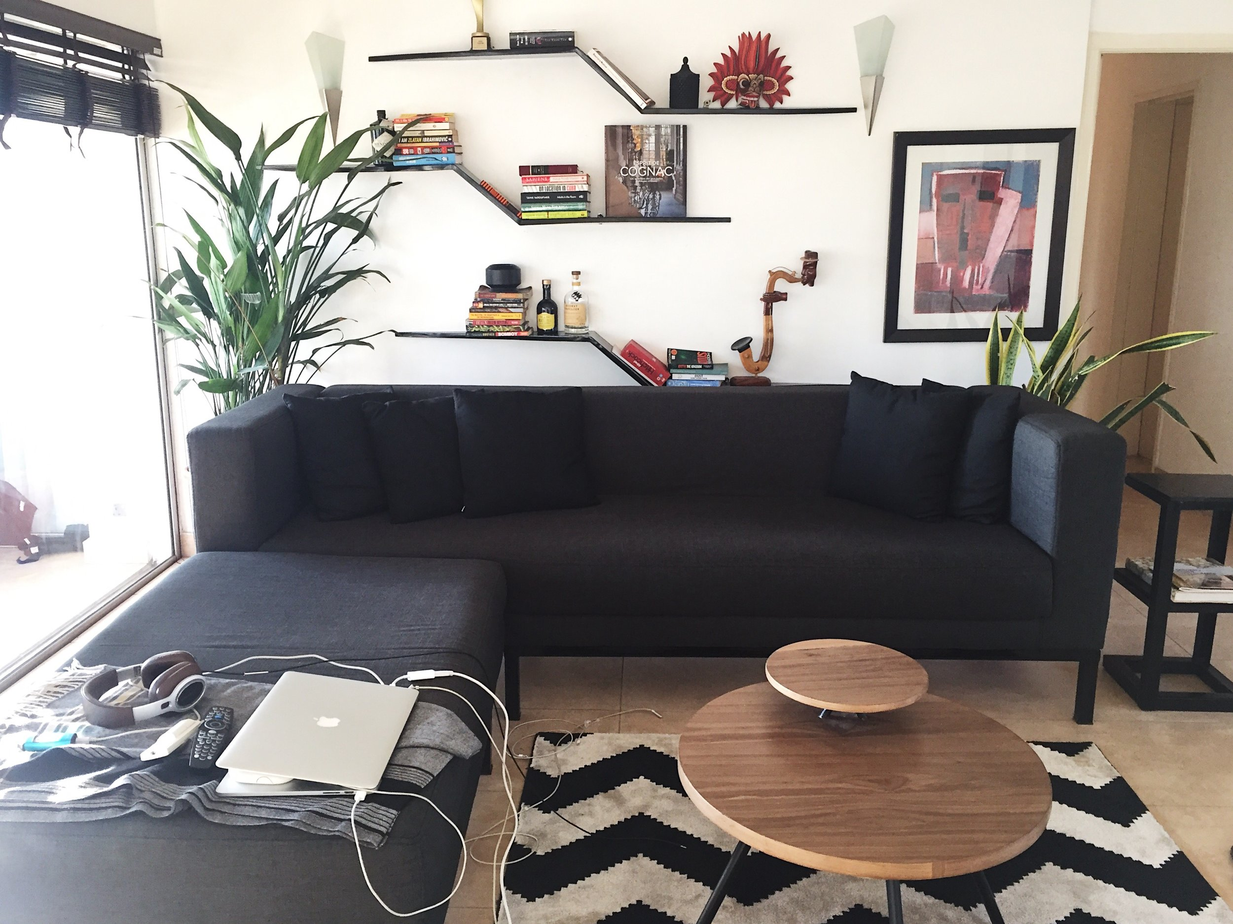 L SHAPED COUCH.JPG
