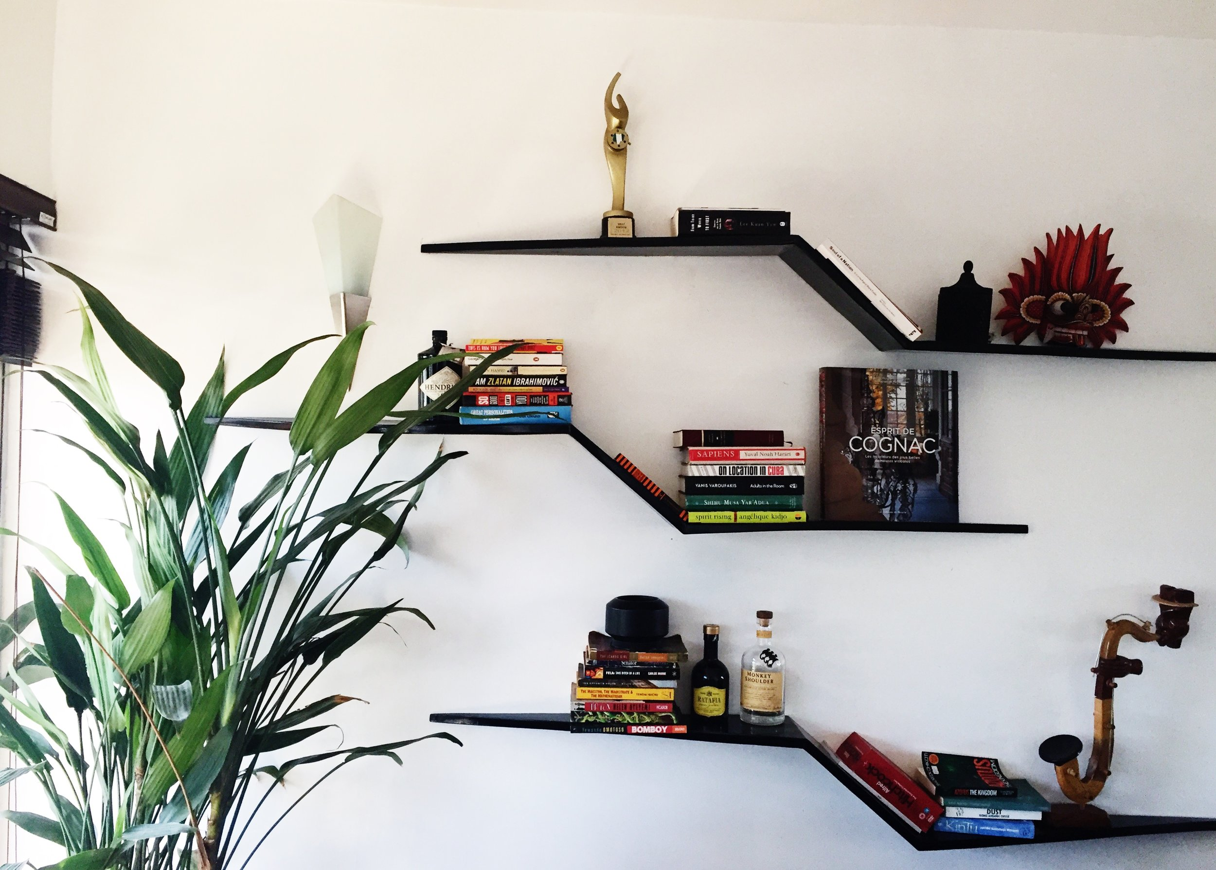 WALL SHELF.JPG