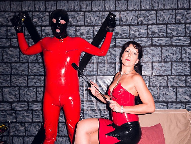 As a meal: Mistress Kalyss Mercury composes a session that will take her client on a journey of experiences and impressions. And the main point: She decides and the customer submits himself to her. Photo:    KRISTER SØRBØ