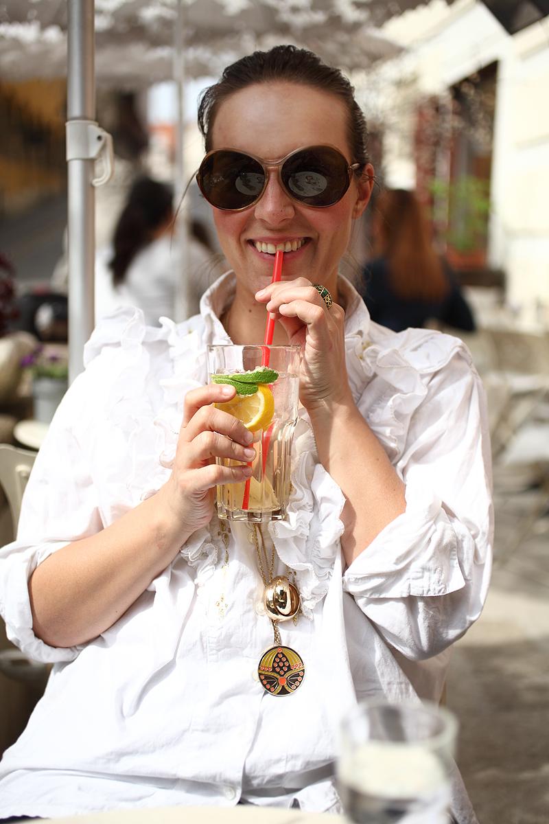 Photo: Maja Danica Pečanić / Ispijanje hladnoga čaja od lipe sa svježom mentom i limunom