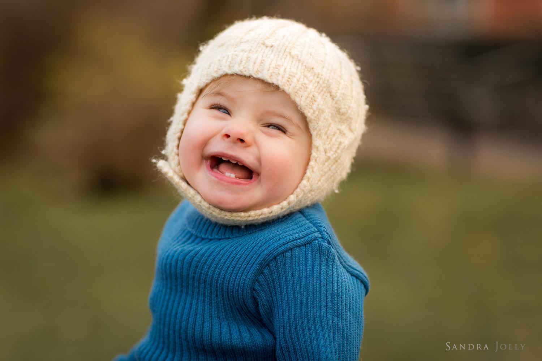 Cute-winter-baby-by-Stockholm-child-photographer-Sandra-Jolly.jpg