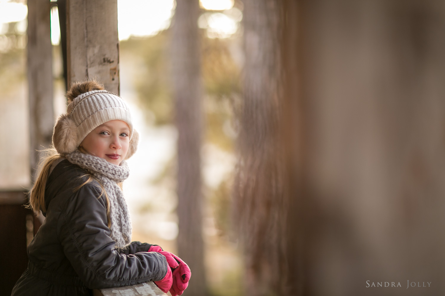 Image-of-a-girl-in-winter-clothes-by-Sandra-Jolly-barnfotograf.jpg