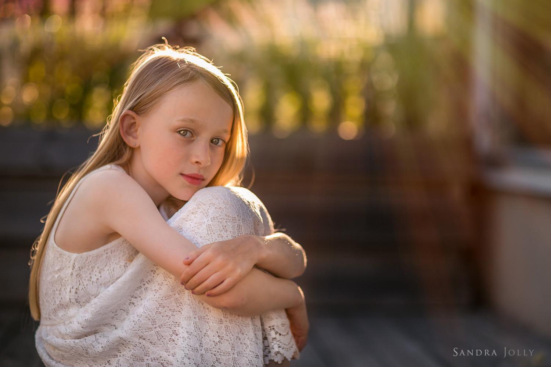 summer-portrait-of-girl-white-dress-by-barnfotograf-Sandra-Jolly.jpg