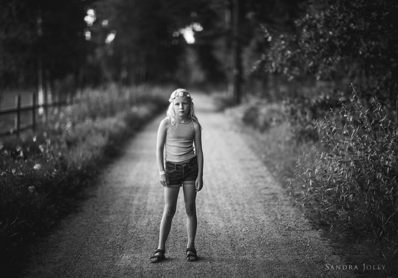 Black-and-white-photo-by-Stockholm-family-photographer-Sandra-Jolly.jpg