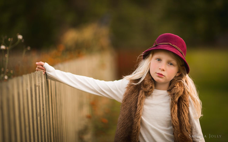 autumn-portrait-in-Sollentuna-by-Stockholm-family-photographer-Sandra-Jolly.jpg
