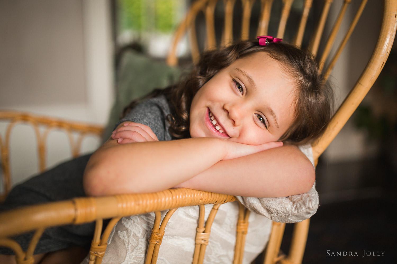portrait--of-little-girl-in-saltsjö-duvnas-by-barnfotograf-Sandra-jolly.jpg