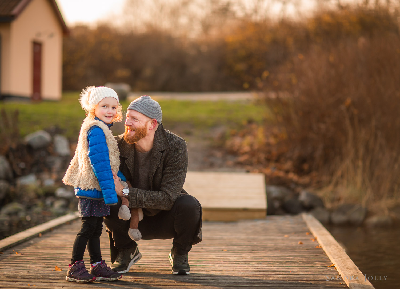 father-and-daughter-winter-portrait-by-familjefotograf-Stockholm-Sandra-Jolly.jpg