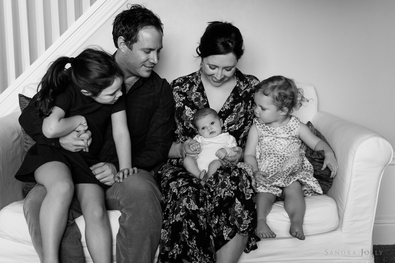 family-lifestyle-session-at-home-with-stockholm-family-photographer-sandra-jolly.jpg