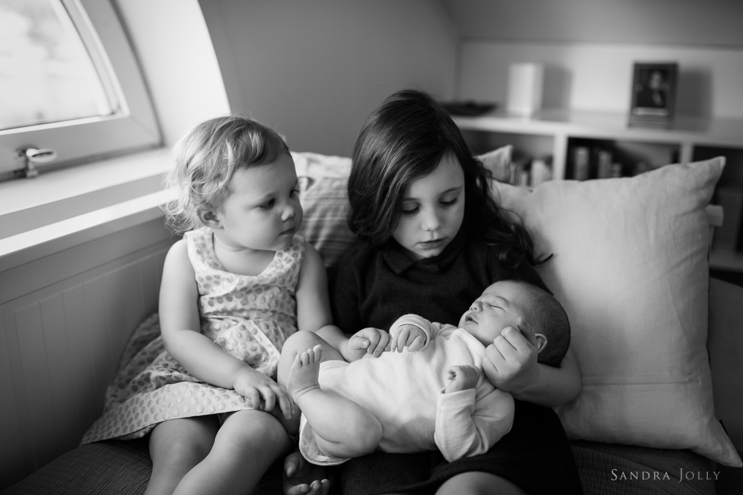 portrait-of-sisters-at-home-by-family-photographer-sandra-jolly.jpg