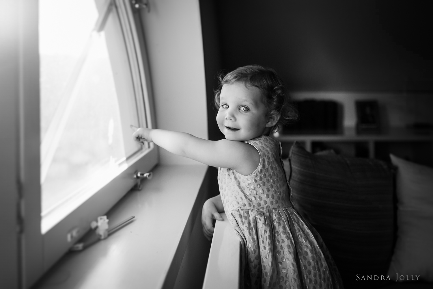 stockholm-lifestyle-shoot-at-home-by-best-family-photographer-sandra-jolly.jpg