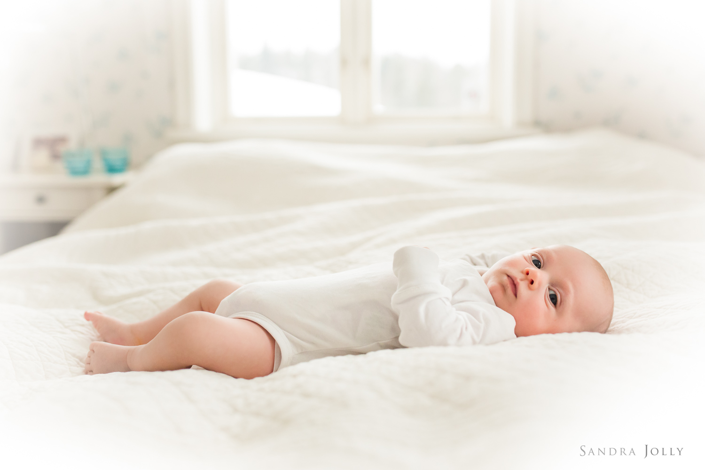 newborn-baby-lifestyle-photo-session-in-stockholm-by-sandra-jolly.jpg