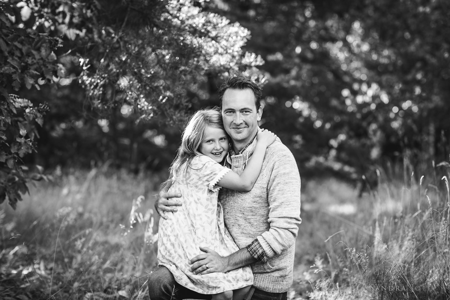 Father-and-daughter-portrait-by-Stocksund-family-photographer-Sandra-Jolly.jpg