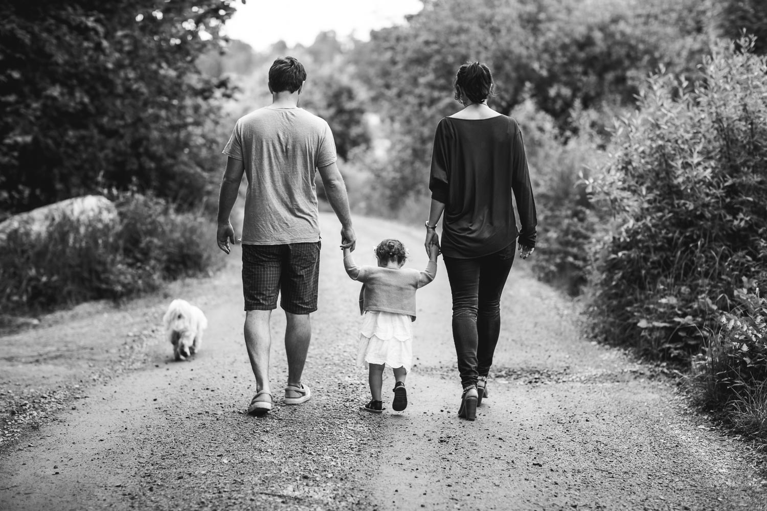 Family-walk-during-summer-photo-session-at-summerhouse.jpg