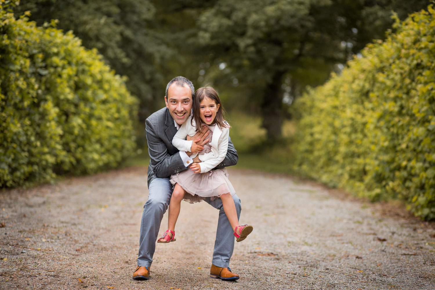 father-and-daughter-photo-at-Ulriksdal-Slott.jpg