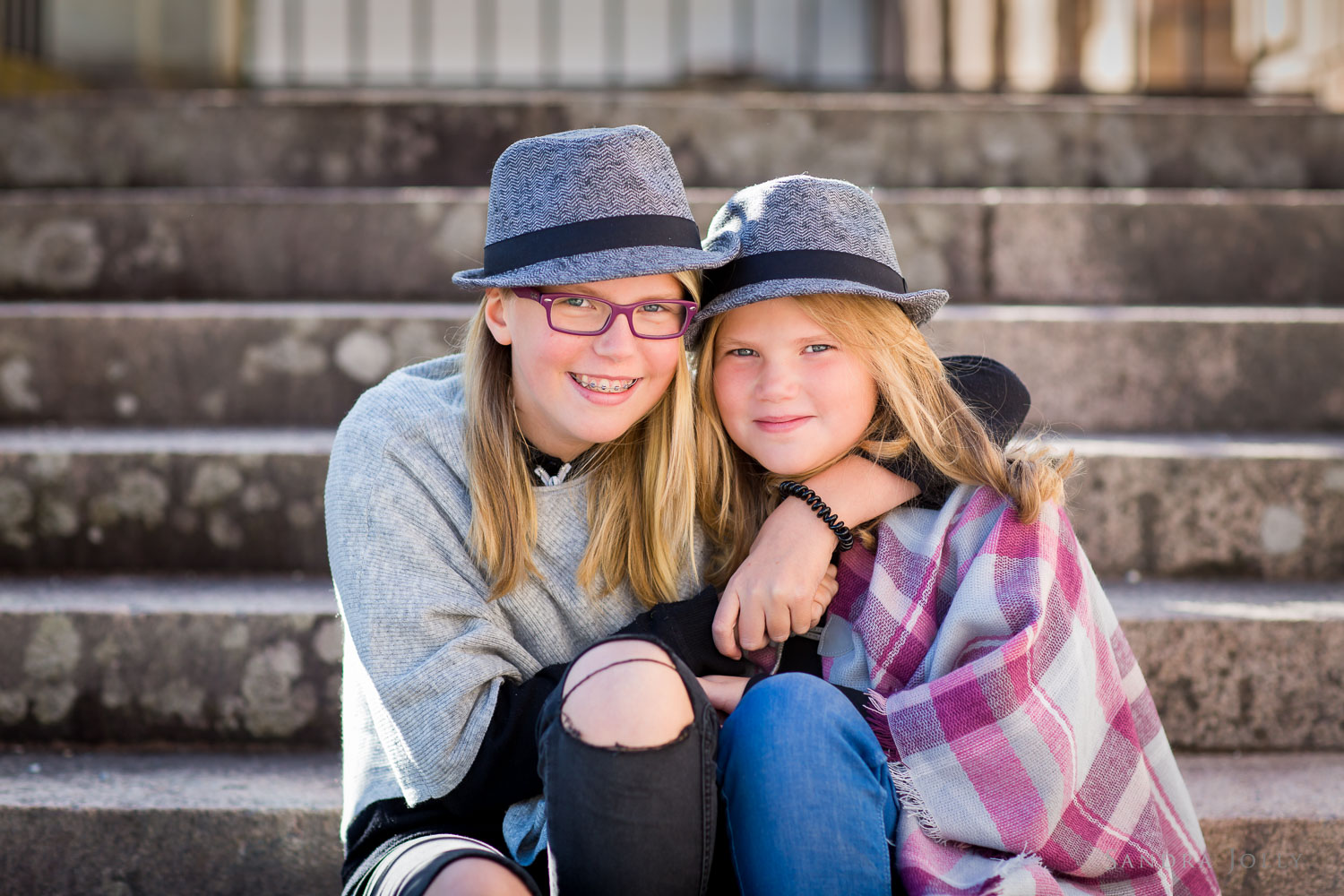 teenage-girls-photo-session-at-Rosersbergs-Slott.jpg
