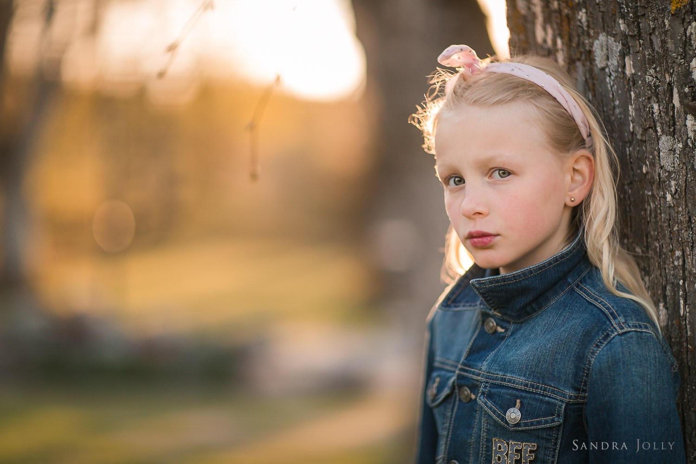portrait-of-beautiful-girl-bra-familjefotografering-sandra-jolly.jpg