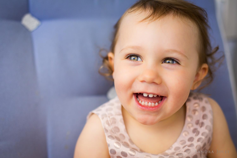 photo-of-a-happy-baby-by-stockholm-barnfotograf-sandra-jolly.jpg