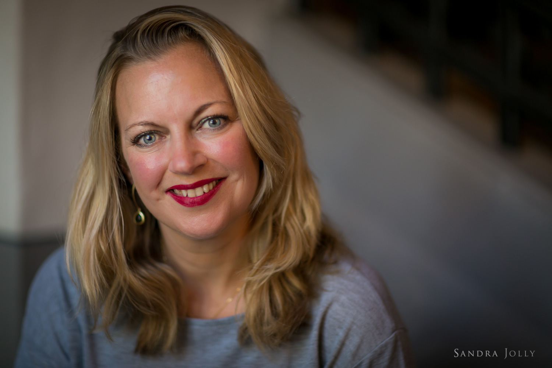 portrait-of-a-beautiful-woman-by-bra-stockholm-photographer-sandra-jolly.jpg