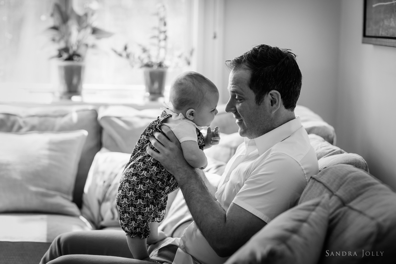 father-and-baby-daughter-barnfotograf-stockholm.jpg