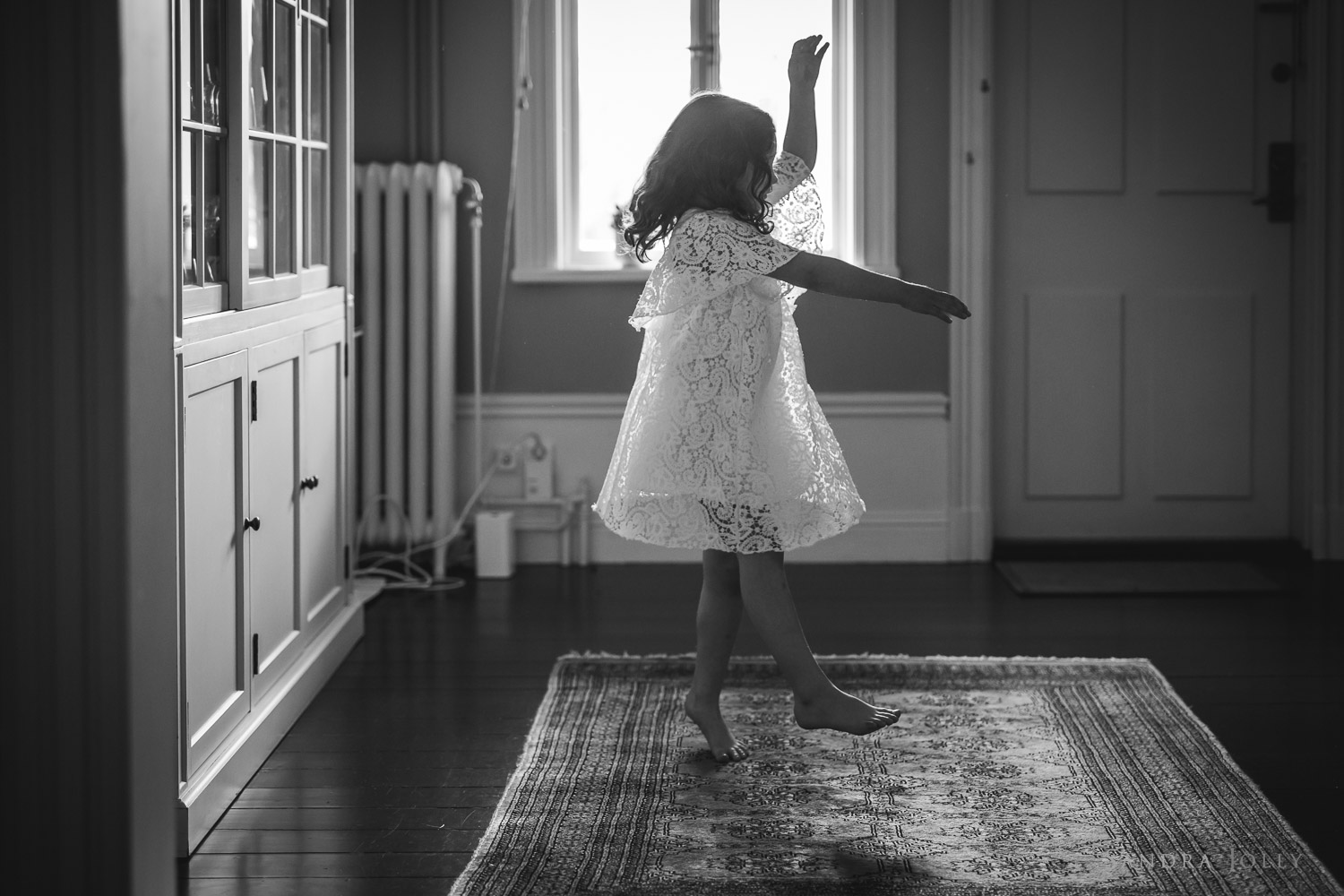 photo-of-little-girl-dancing-by-stockholm-barnfotograf-sandra-jolly.jpg