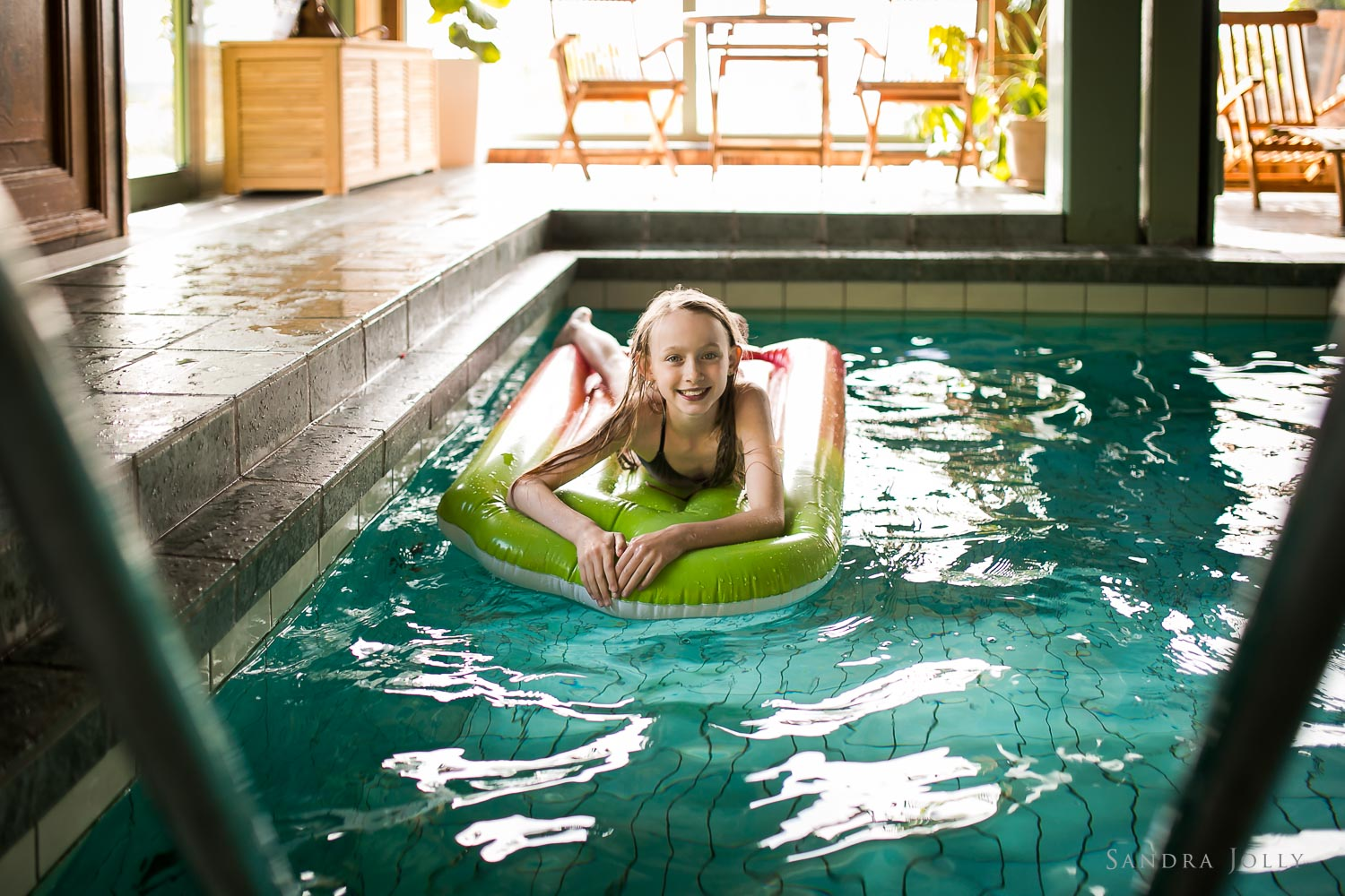 green-hotel-dalarna-pool-by-stockholm-family-photographer.jpg