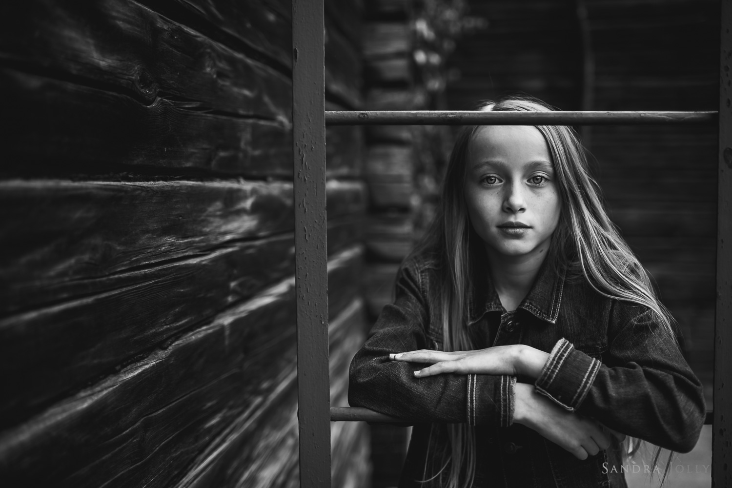 green-hotel-tällberg-black-and-whit-portrait-of-girl.jpg