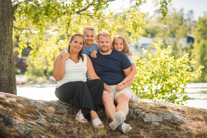 fun-family-session-by-stockholm-family-photographer-sandra-jolly.jpg