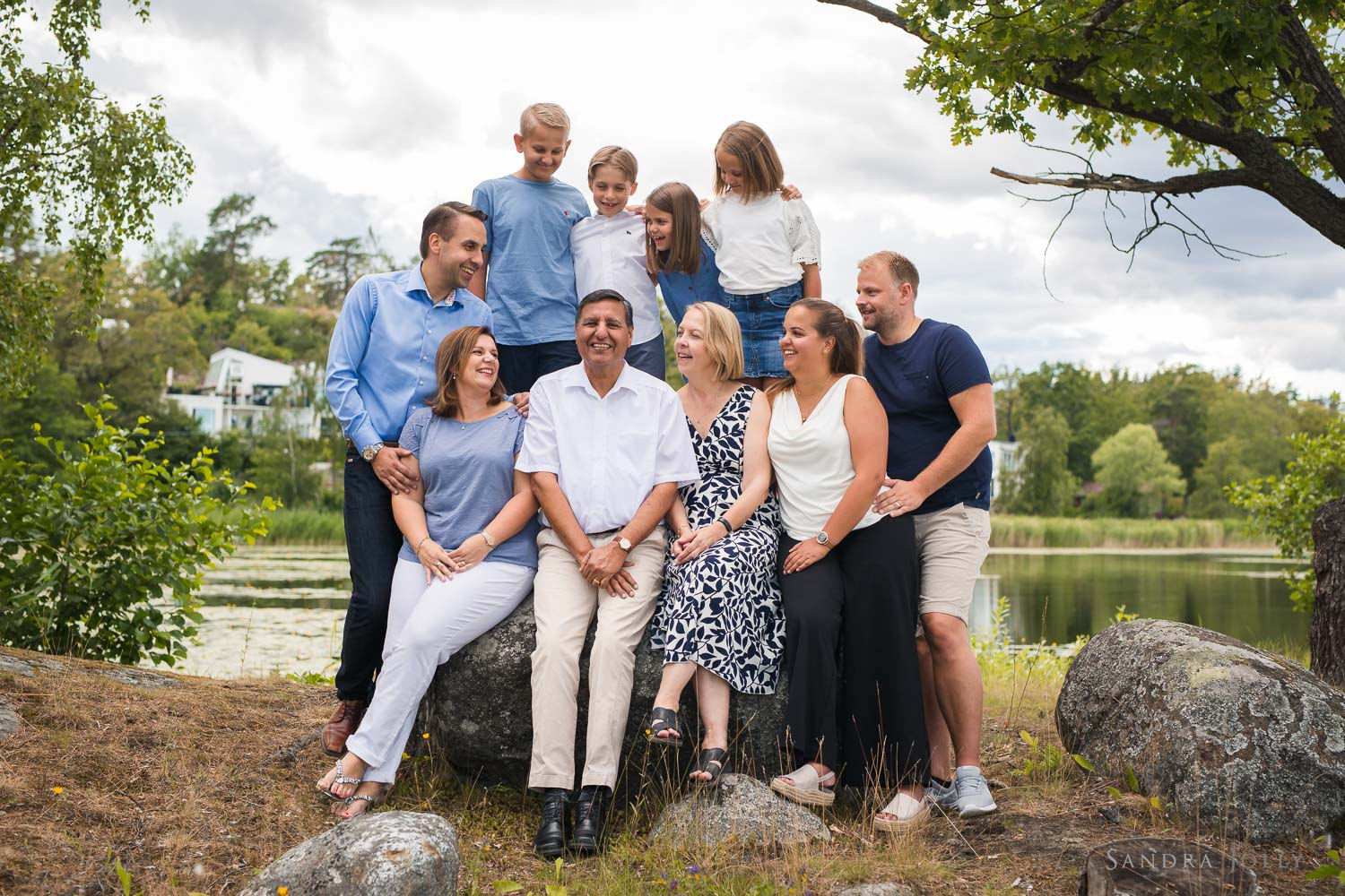 large-family-photo-session-stockholm-by-sandra-jolly-photography.jpg
