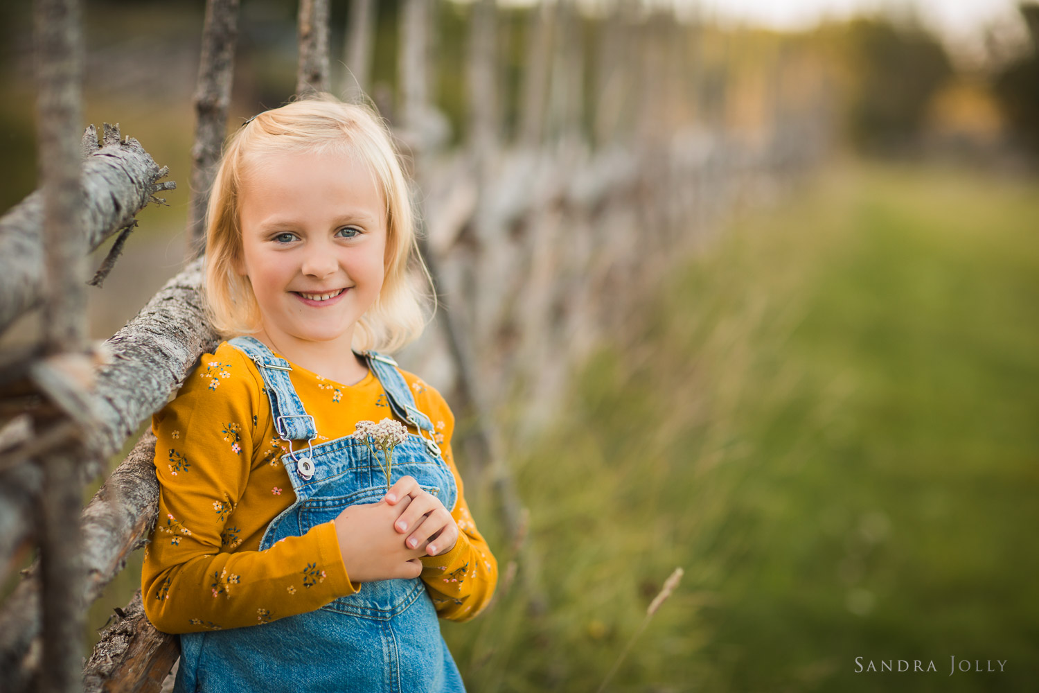 outdoor-child-photography-stockholm-by-barnfotograf-sandra-jolly.jpg