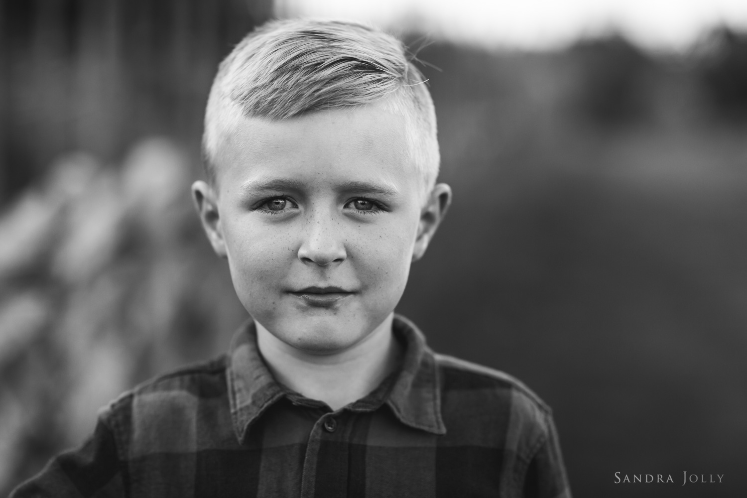 portrait-of-young-boy-stockholm-by-barnfotograf-sandra-jolly.jpg
