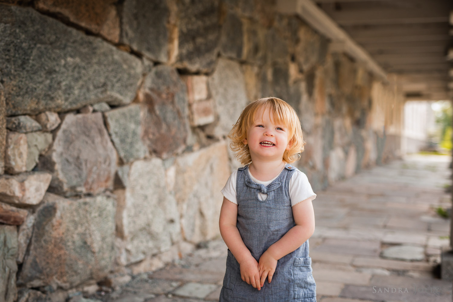 child-portrait-session-at-rosersbergs-slott.jpg