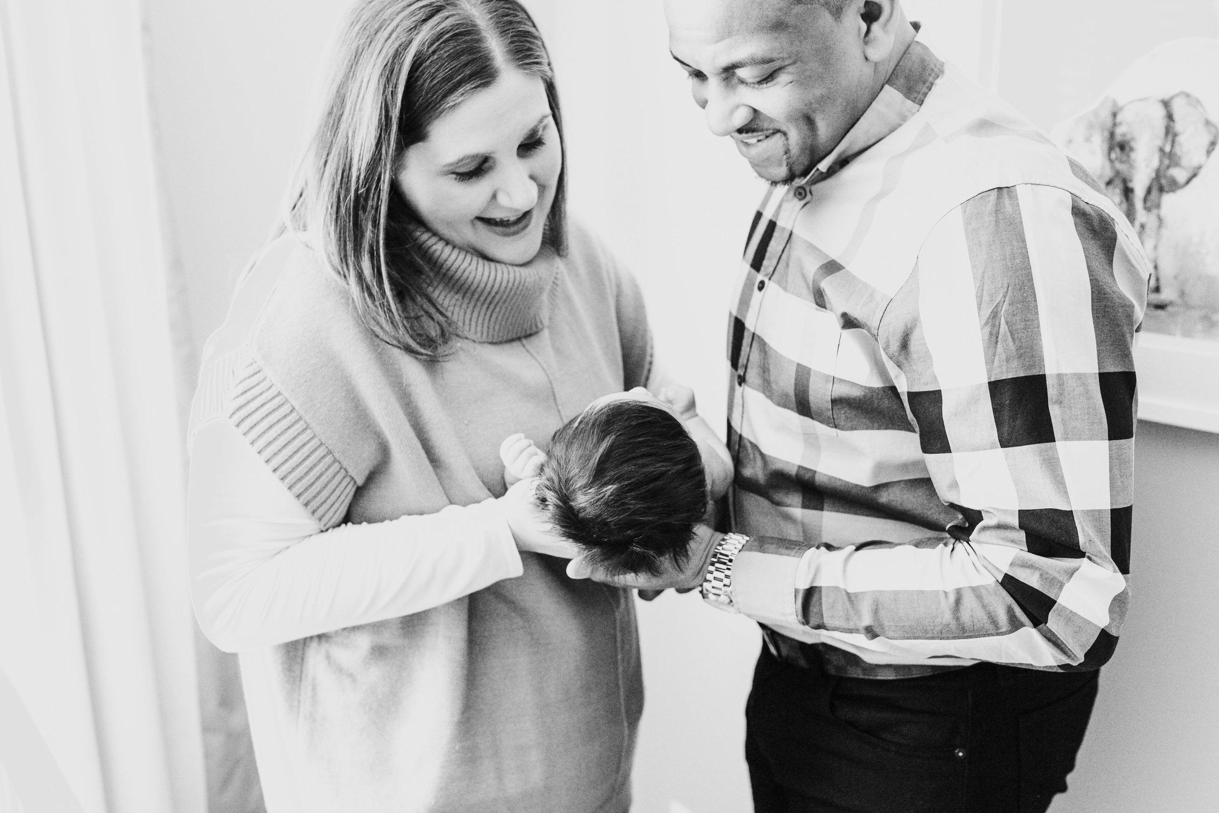 Charlotte-Newborn-Photographer-15.jpg