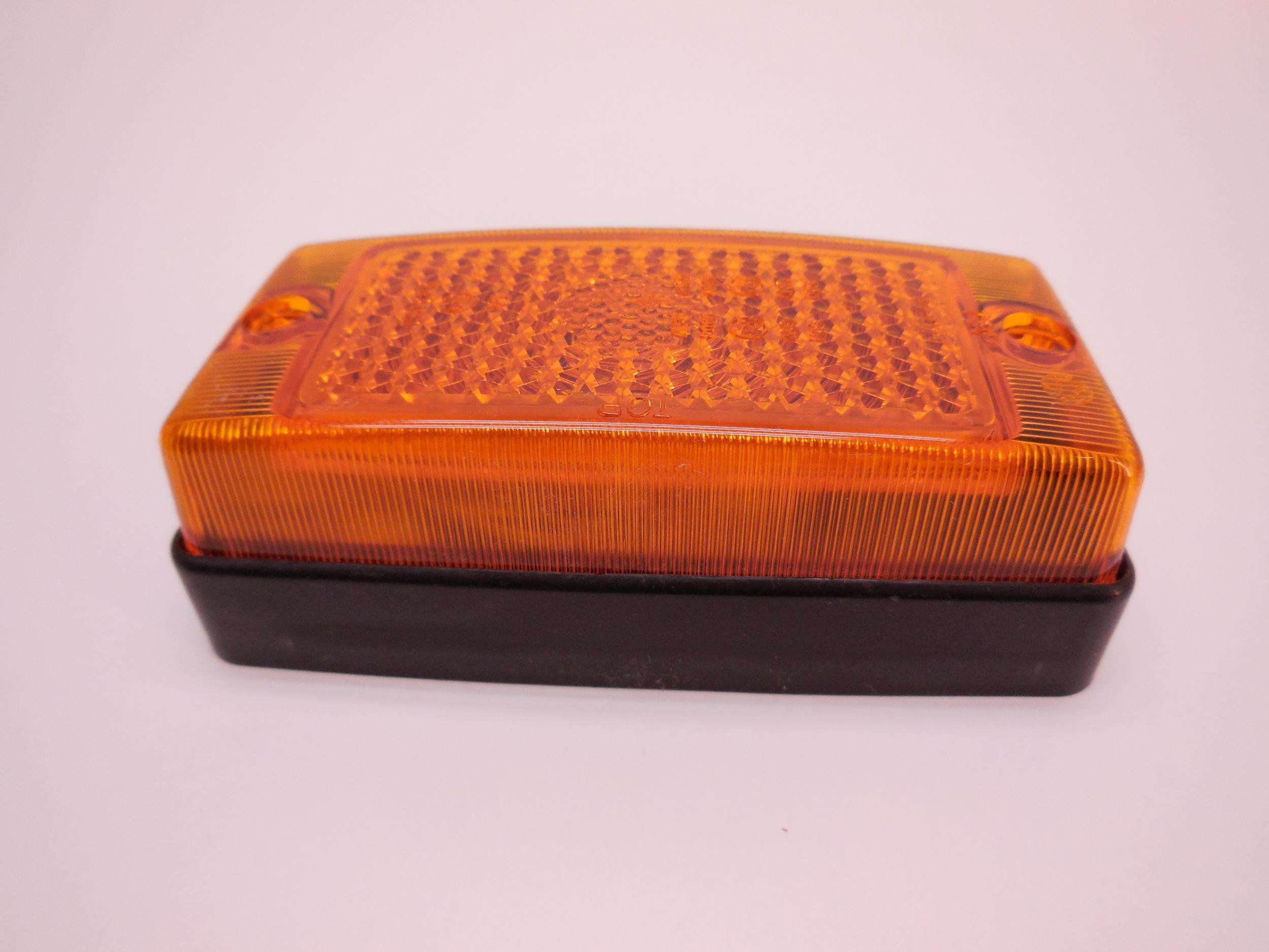 Side Marker Complete Häggo Nr: 5921 2028-001 PRICE: 165 SEK