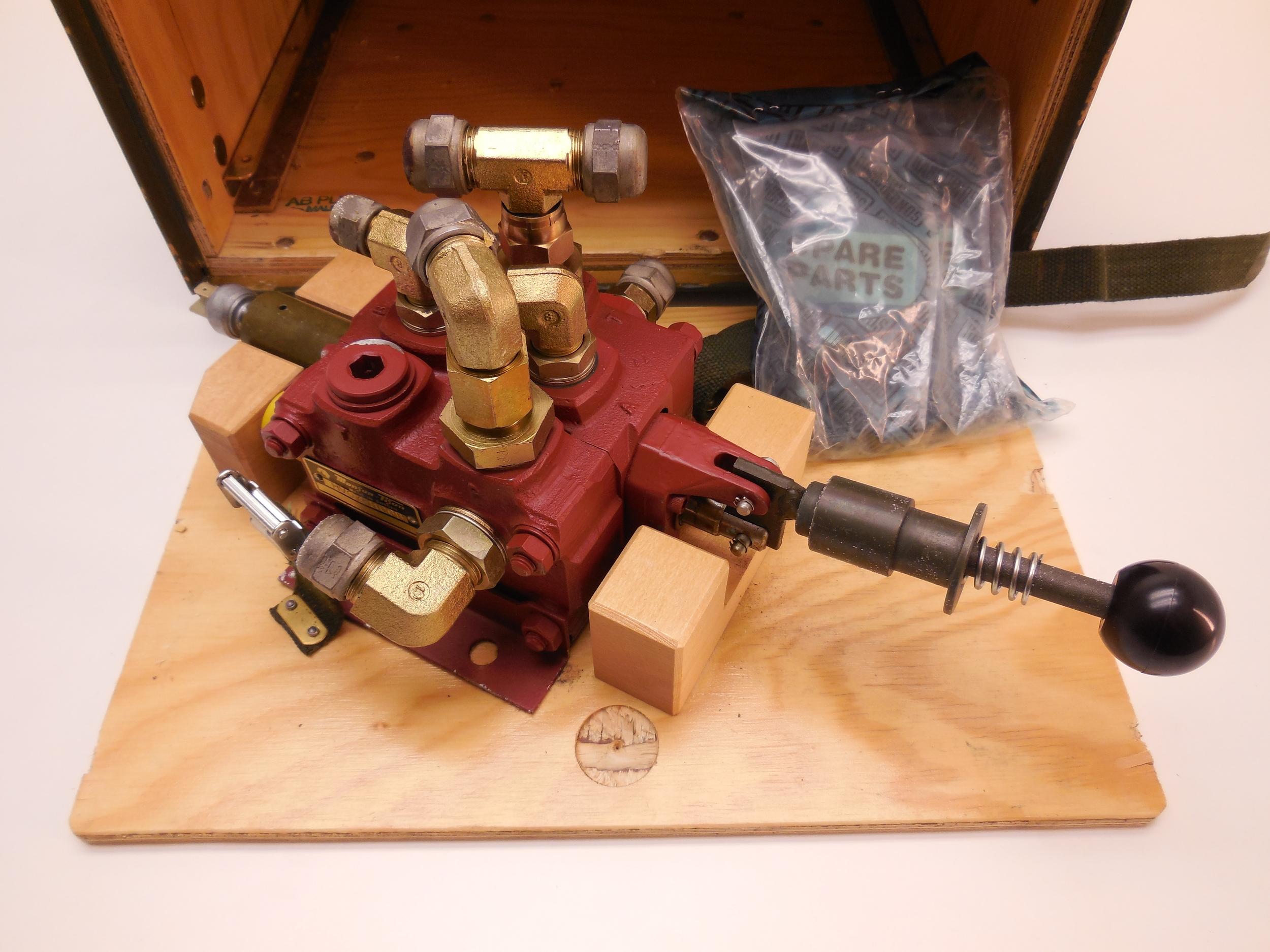 Directional valve Häggo Nr: 353 6501-802 price: 2200 sek