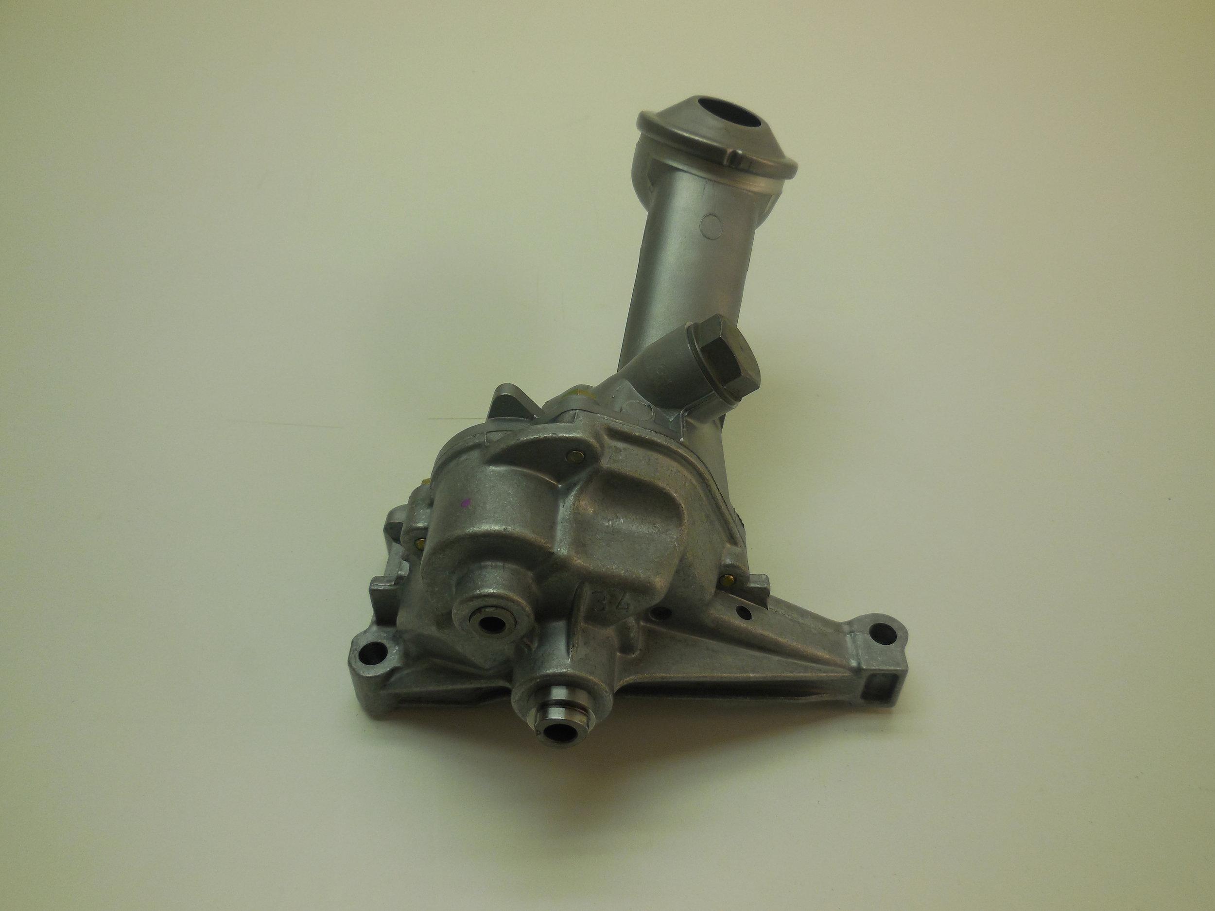 oil pump Mb nr: 603 181 03 20 / 104 181 00 01 Price: